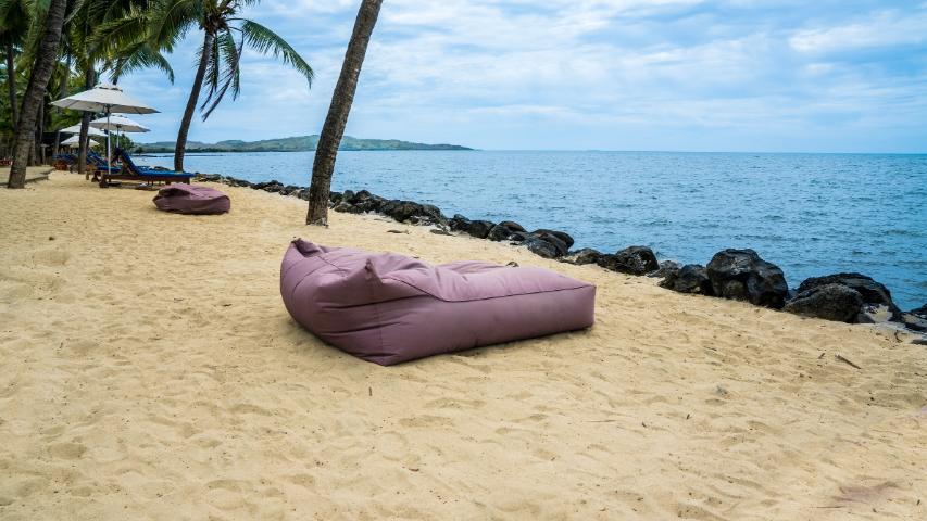 Wie kann ich meinen Sitzsack reinigen?-Sitzsack am Strand